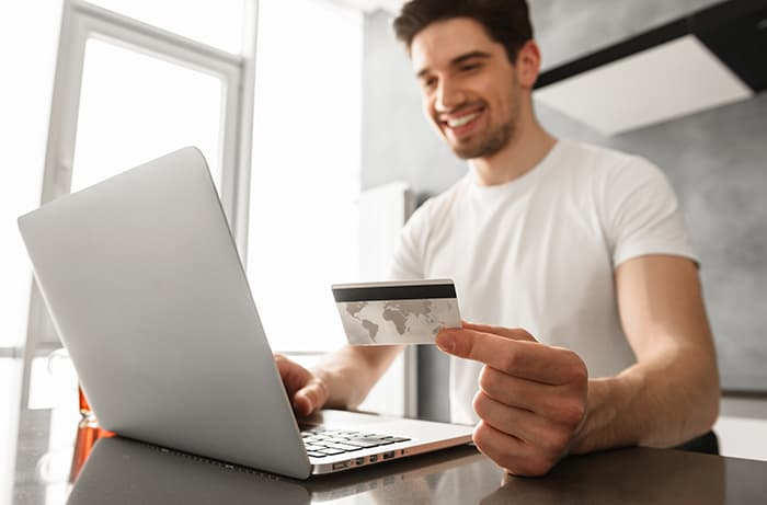 Operating a payment via computer